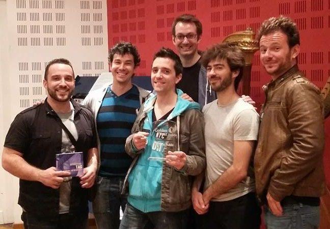 Greg Aguilar avec Offground Tag tenant le prix du public du Golden Jazz Trophy de Lille